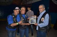O prefeito de Guarulhos (dir.) e o presidente dos Falcões