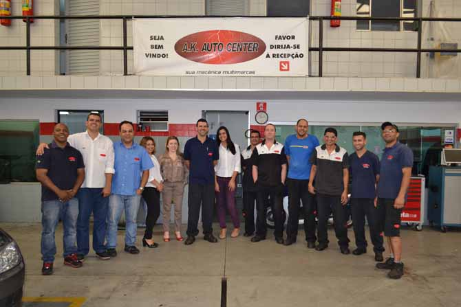 Equipe AK Auto Center: Carlos, Ricardo, Antonio, Rosângela, Sandra, Kleber, Camila, Jorge, Marcos, Fábio, João, Dunga e Cacá