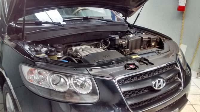 O Hyundai Santa Fe V6, 2.7, ano/modelo 2010, com 110.000 km